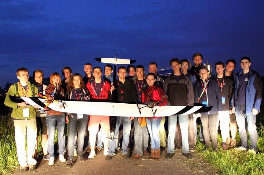 "Zespół High Flyers podczas projektu ""Igry z lotu ptaka 2013"""